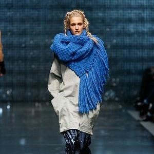 вязаные молоджные тплые кофты, свитер вязаный.